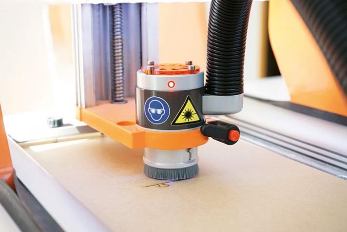 CNC Stuffraft 2/600 - Rezací laserový plotter