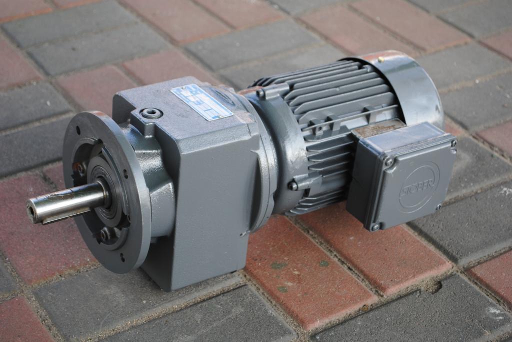 Golier Gearmotor 0.75KW. 65BR./min .. fvat