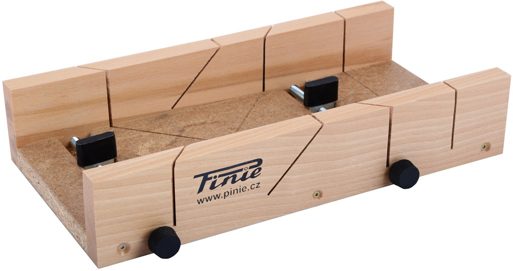 Obvodová pokosová skrinka s 2 svorkami 350x140