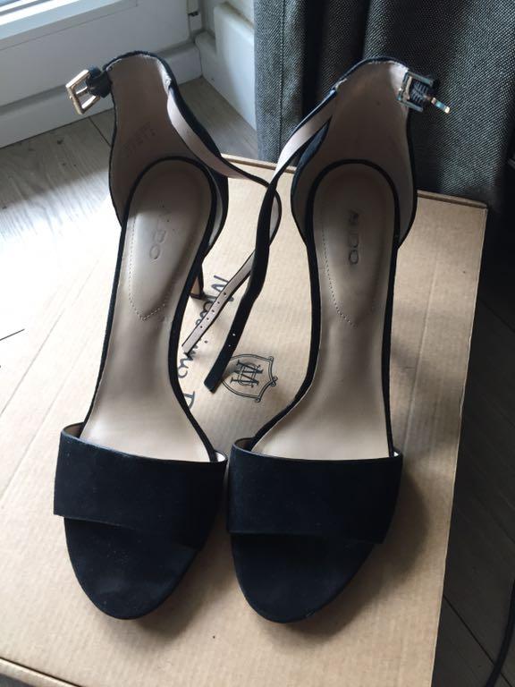 670c6bff8b Sprzedam Aldo Fiolla 39 czarne zamszowe sandały - 7435006926 ...