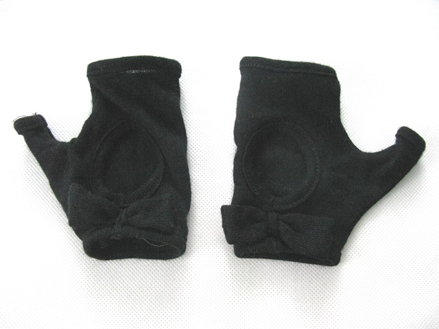 PIECES czarne rękawiczki bez palców mitenki