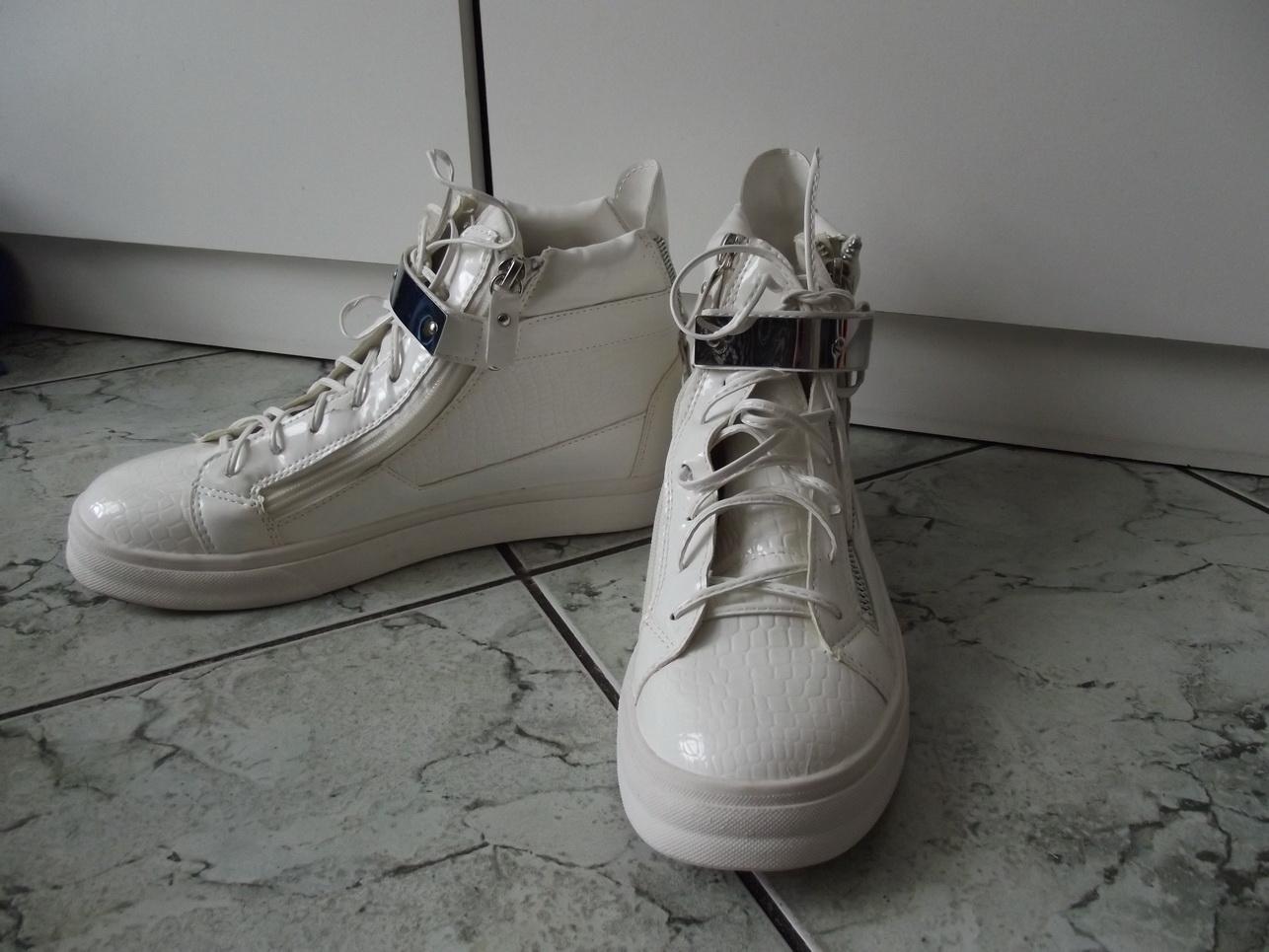 Buty sportowe snikersy białe z blaszkami r. 41