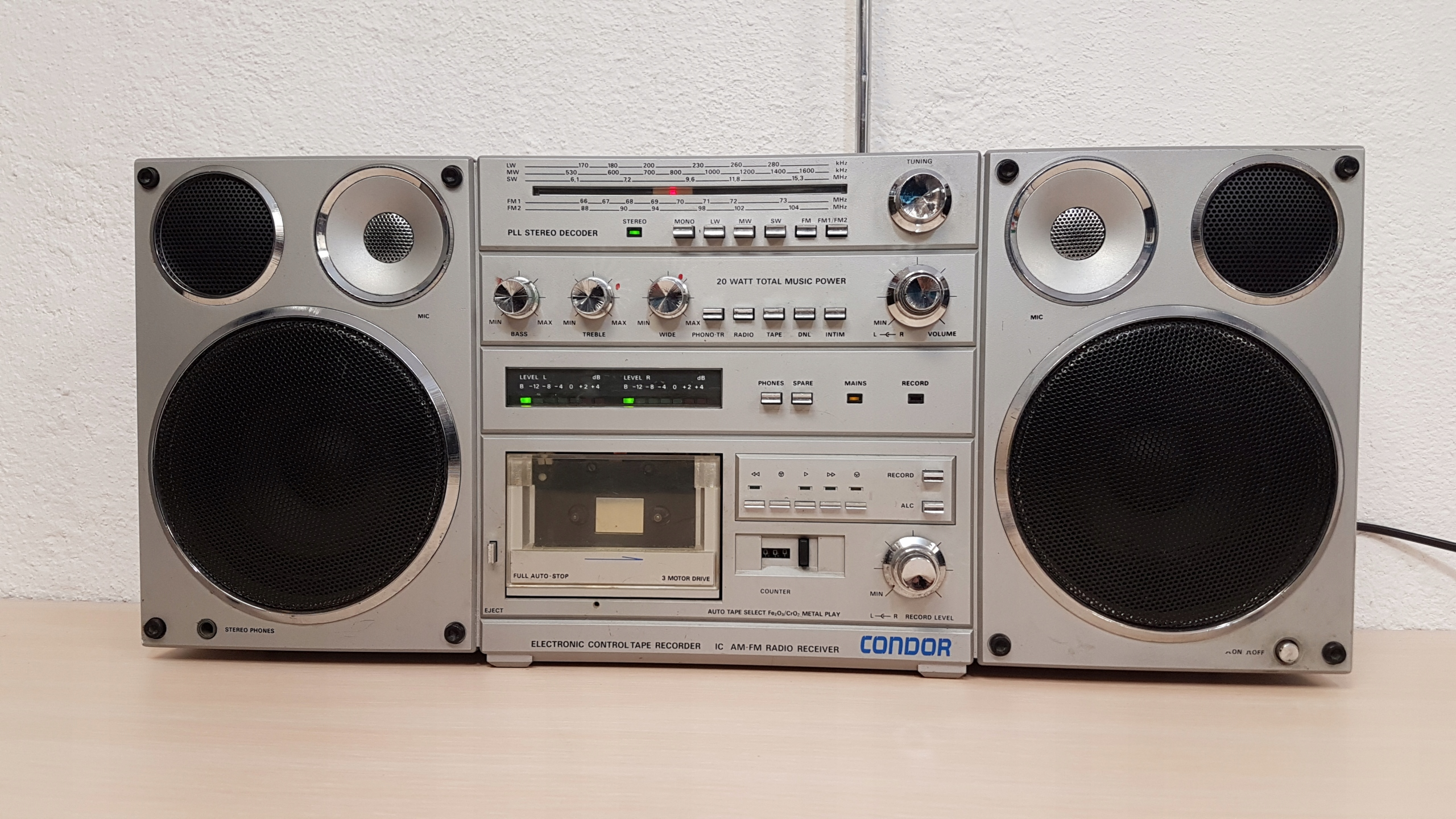 Inne rodzaje Piękny SREBRNY Condor Unitra radio rm 820s - 7696585692 AM45