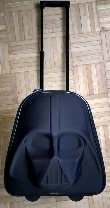 88d689e8ac540 Walizka na kółkach Star Wars Darth Vader Tchibo TC - 7008707363 ...