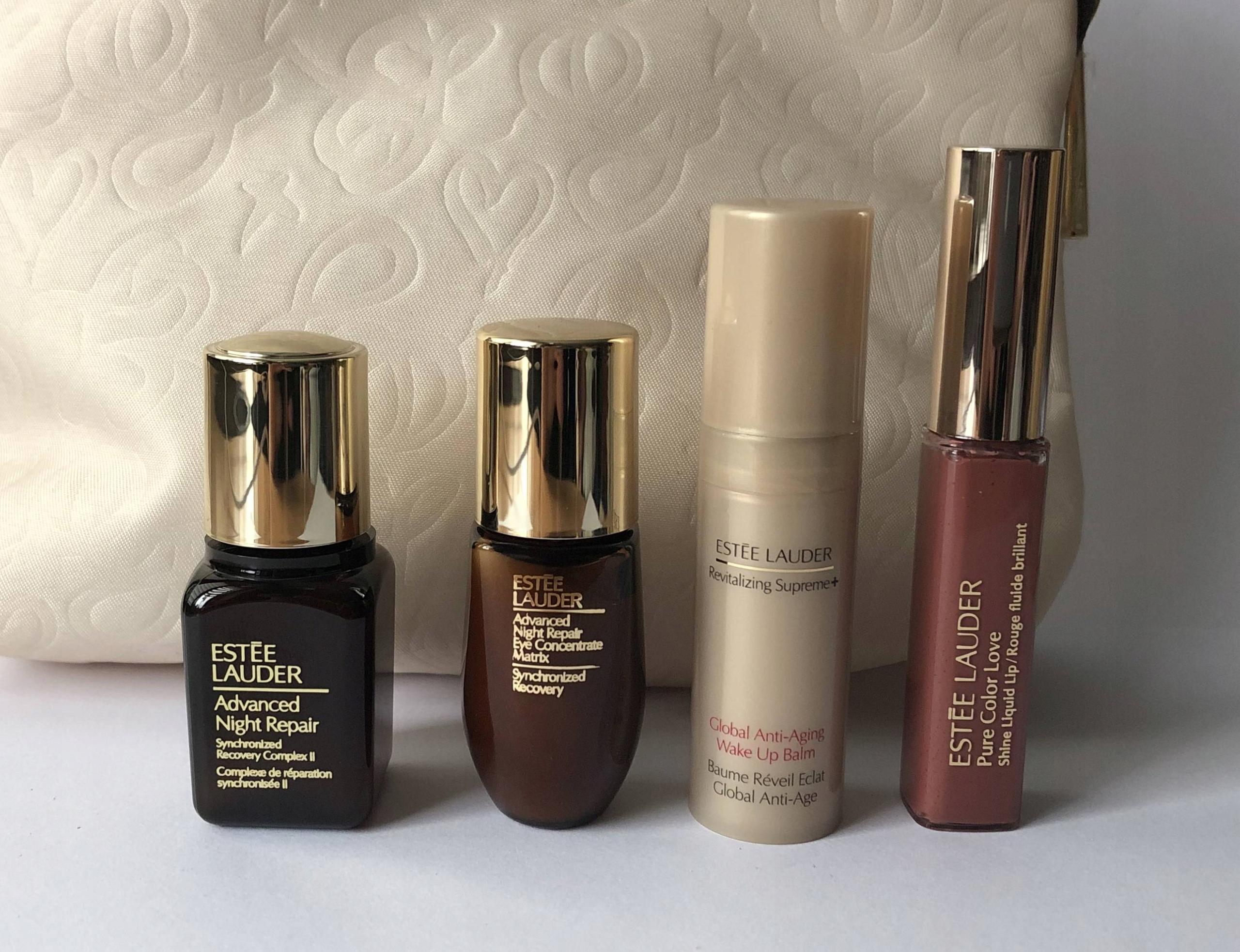 Tylko na zewnątrz Estee Lauder zestaw z 4 miniaturami kosmetyczka - 7711377860 GI02