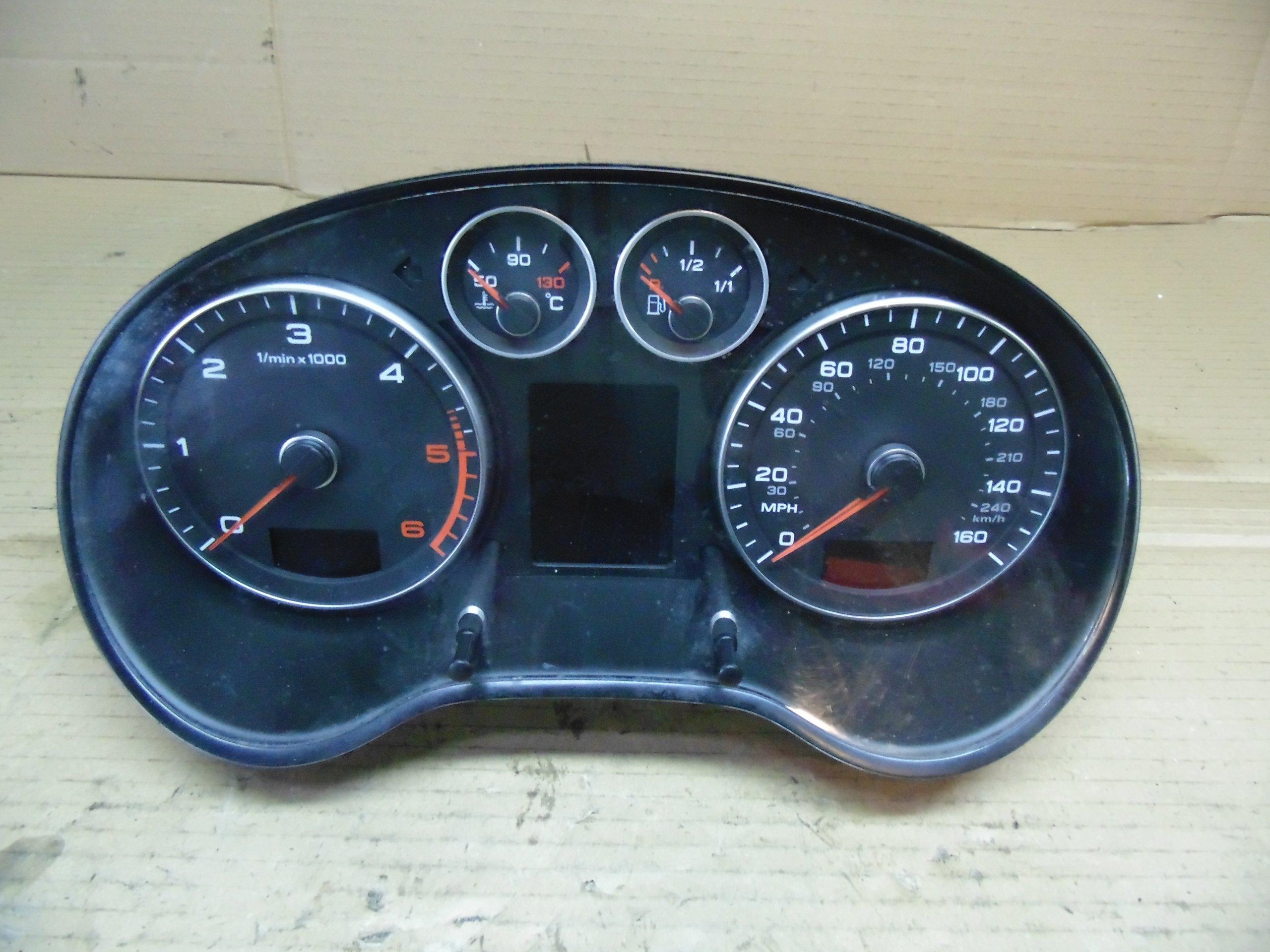 Licznik Zegary Audi A3 8p Lift Anglik 8p0920982j 7069272675