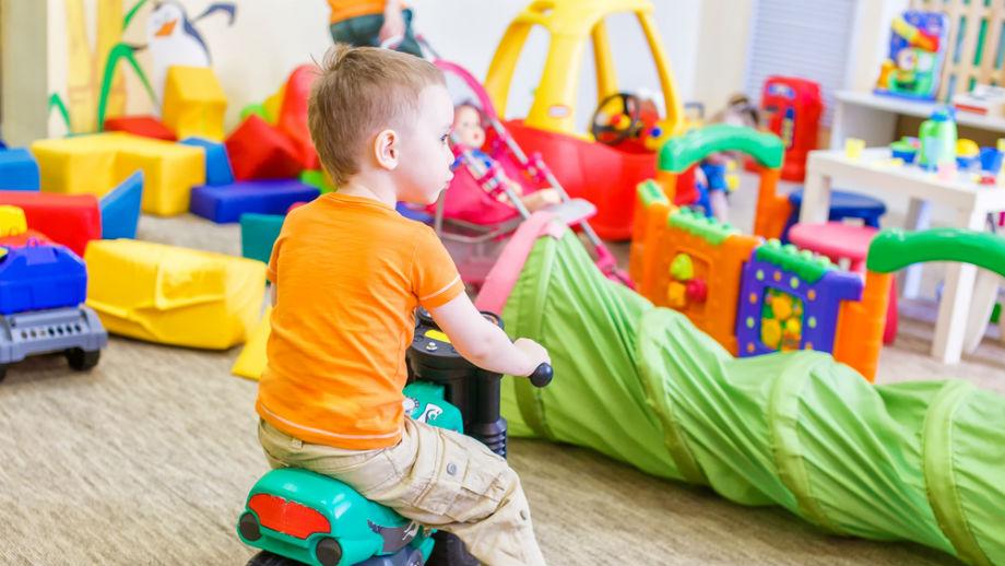 Urządzamy plac zabaw w pokoju dziecka na chłodne dni