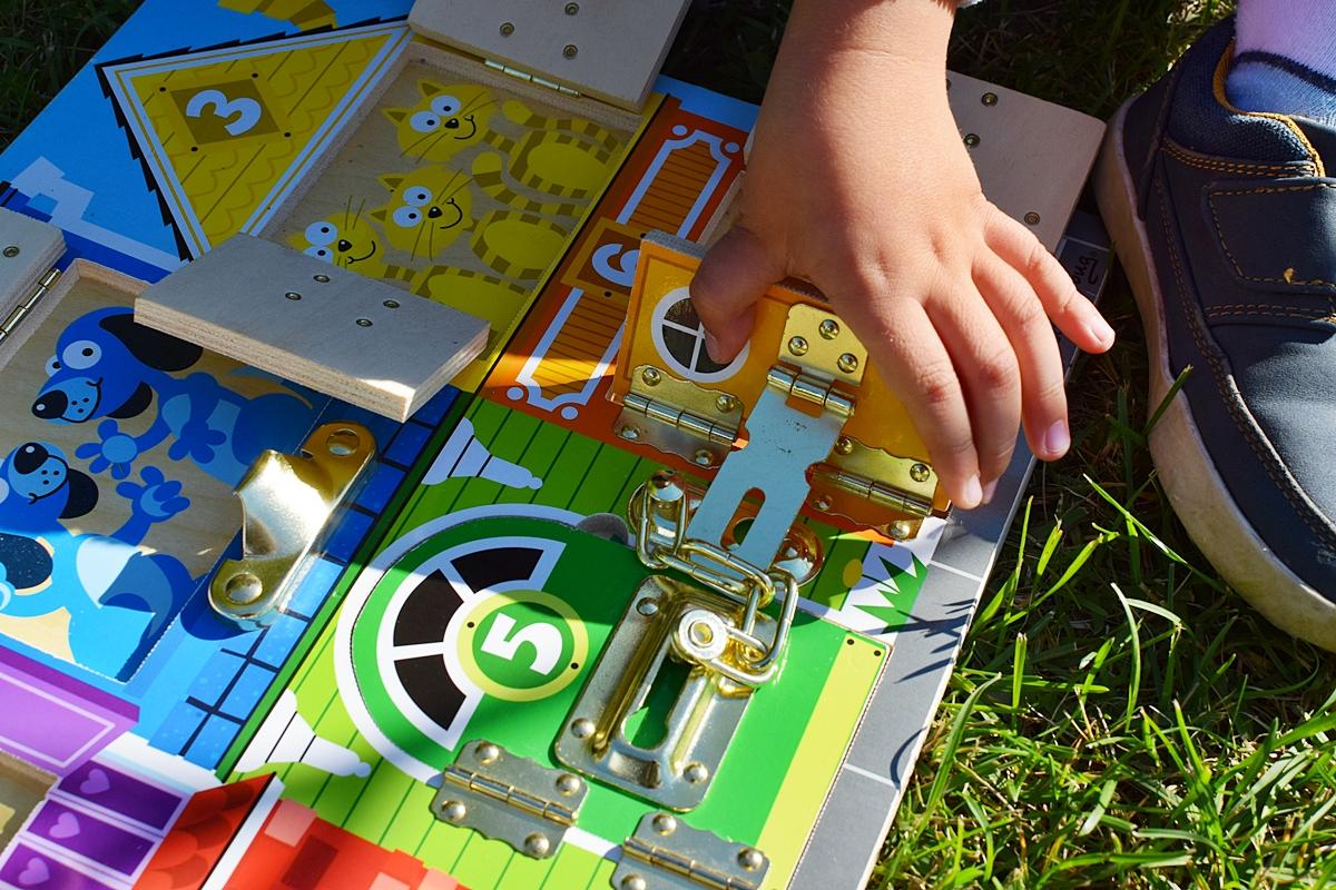 Obrázok 6 Pokusy o otvorenie a zatvorenie zámkov