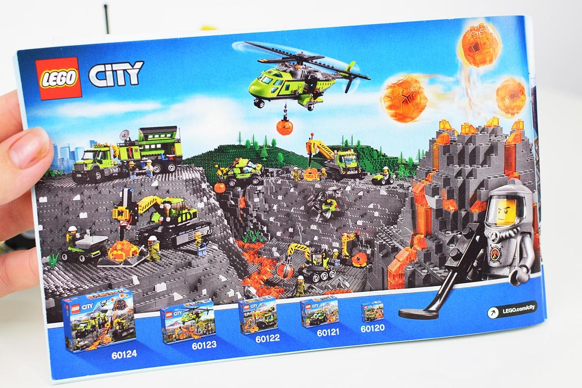 Photo 3 Celá séria Lego týkajúcich sa sopky
