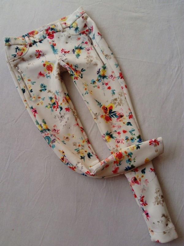 zara trafaluc spodnie rurki w kwiaty zamki r.36 S