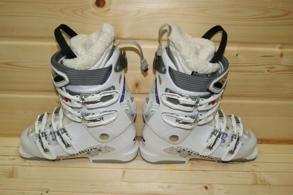 Ski Boots Salomon CHARM 7