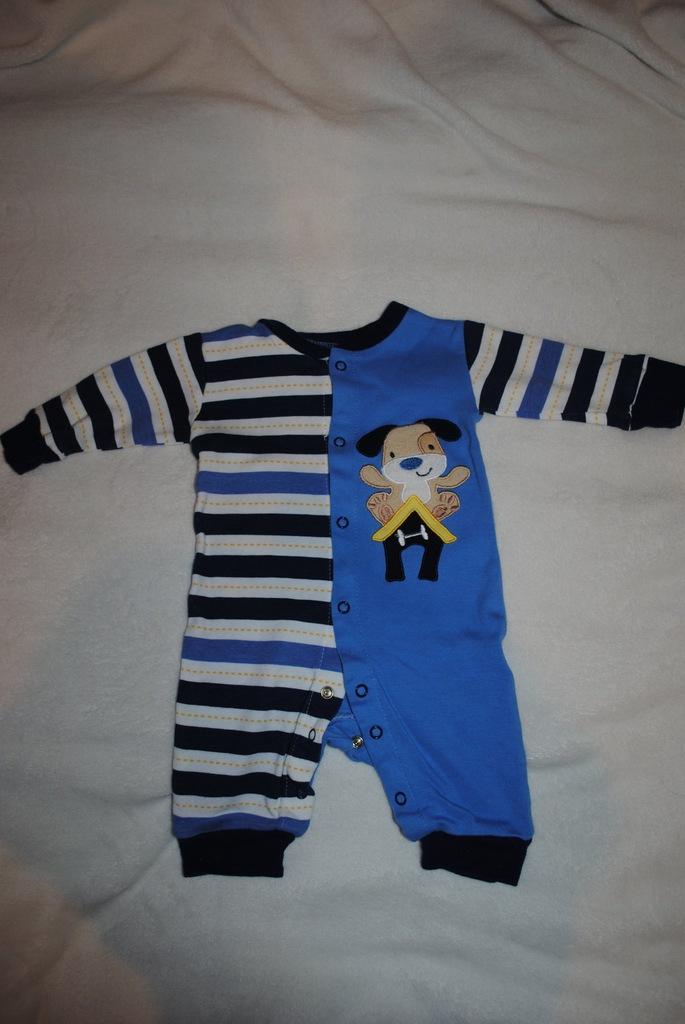 chłopięca piżamka 5.10.15 rozmiar 62