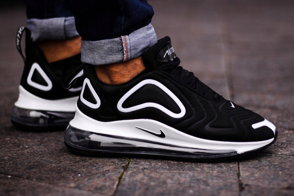 Buty Nike Air Max 720 Black White r42