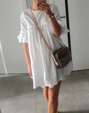sukienka biała zara z falbanką