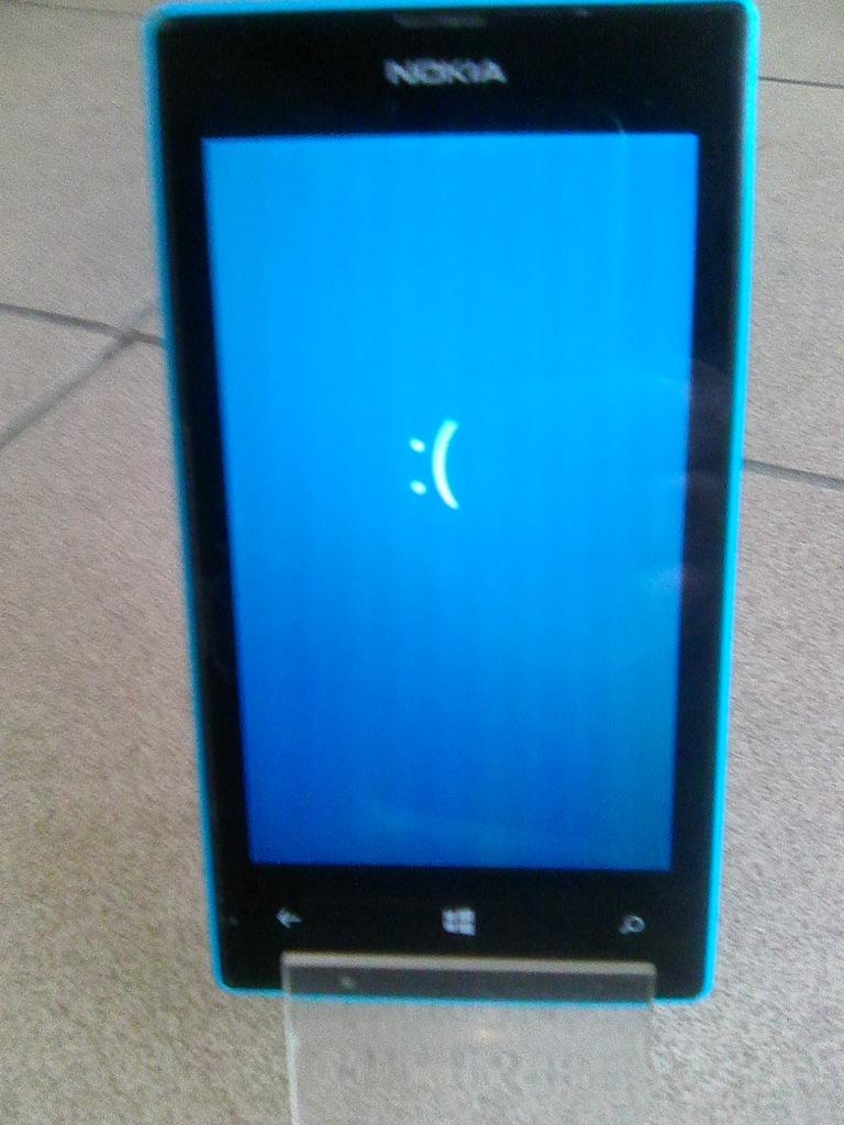 Uszkodzona Nokia Lumia 520 Smutna Buzka 7128100557 Oficjalne Archiwum Allegro