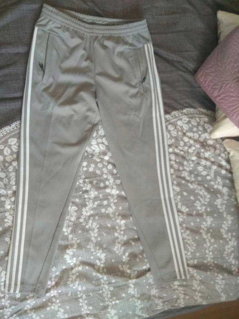 Spodnie Adidas Tiro 3S grey L dres supreme condivo