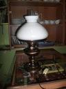 Śliczna Lampa Elektryczna Stylizowana na Naftową