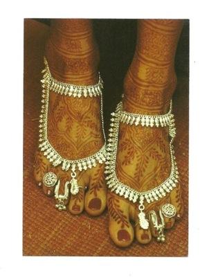 Открытка - роспись ноги индуистской невесты