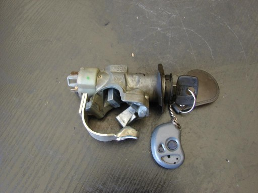 Stacyjka z kluczykiem Opel Astra F 1,7D