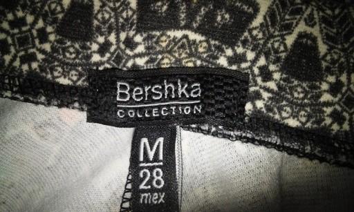 Spódnica rozkloszowana ze wzorem Bershka ( 38 )