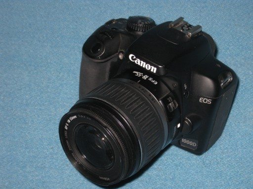 CANON EOS 1000D + CANON EF-S zoom 18-55 ZESTAW